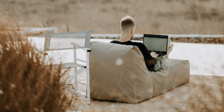 Looking For Digital Nomad Jobs? Here Are Some Top Tips